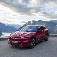 Cómo la electrizante experiencia de conducción del Ford Mustang Mach-E hará sonreír a toda Europa