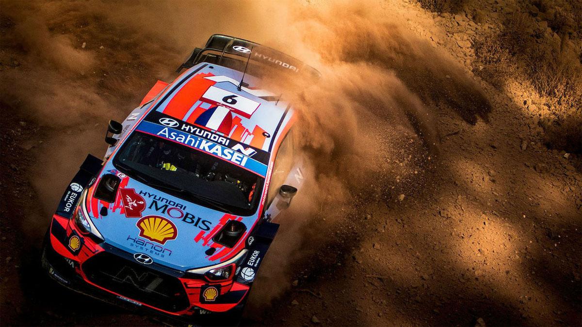 El veterano Loeb regresa para liderar la primera jornada del Rallye de Turquía