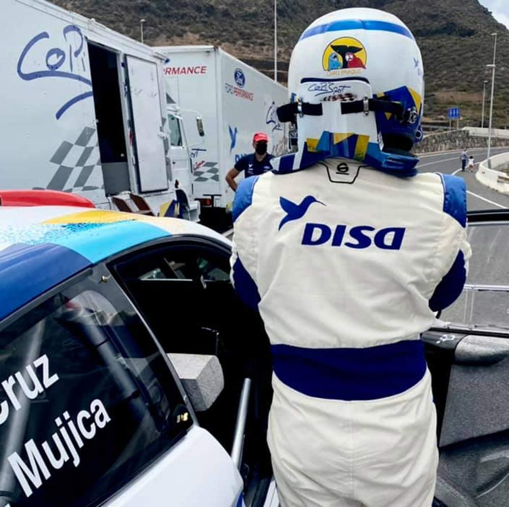 Cruz-Mujica lideran un duro inicio del Rallye Comarca Norte Gran Canaria