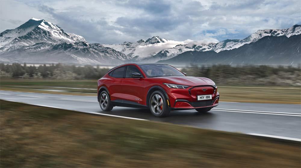 El Ford Mustang Mach-E 100% eléctrico logra una valoración de 5 Estrellas para ocupantes y medio ambiente