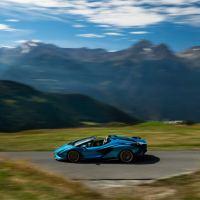 Automobili Lamborghini acelera en el camino hacia la descarbonización